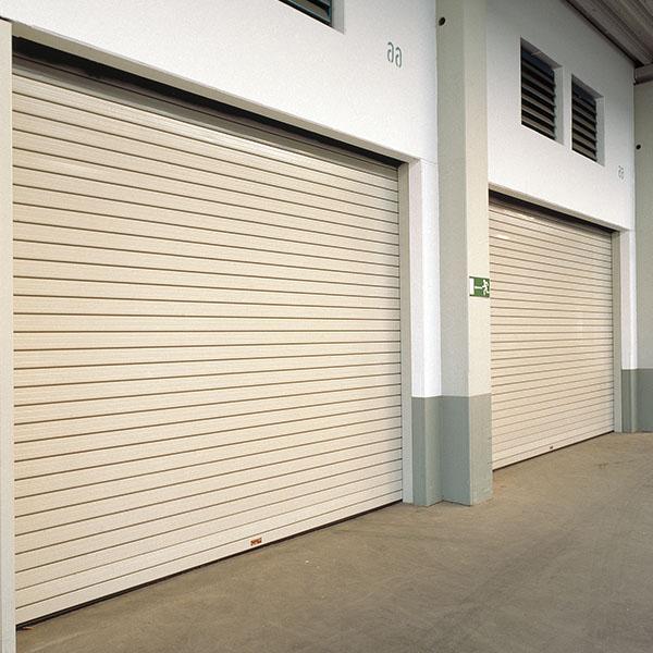 Usa de garaj sectionala FARA LINIE